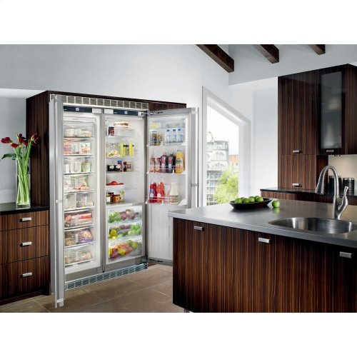 "24"" Built-in Refrigerator/BioFresh Stainless Door right hinge, stainless"