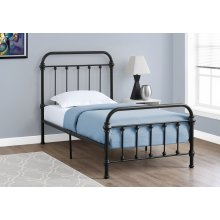 BED - TWIN SIZE / BLACK METAL FRAME ONLY
