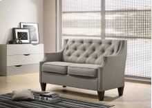 9102 Gray Loveseat