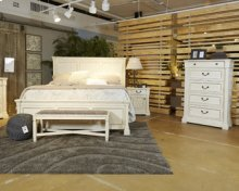 Bolanburg - White 3 Piece Bed Set (Queen)