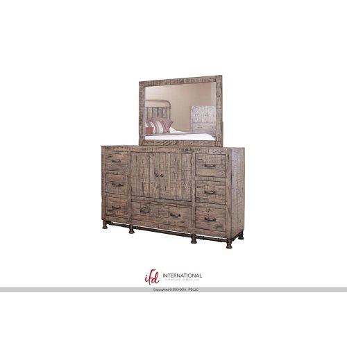 7 Drawer, 2 Door Dresser