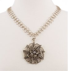 BTQ MJ Le Bonne Fleur Necklace