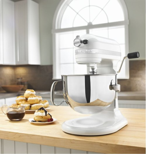 Pro 600 Series 6 Quart Bowl-Lift Stand Mixer - White