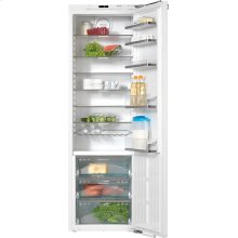 KS 37472 iD PerfectCool refrigerator PerfectFresh and FlexiLight for best storage conditions and high convenience.
