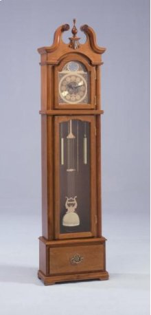 Grandfather Clock - Oak (Requires 2 D Batteries)