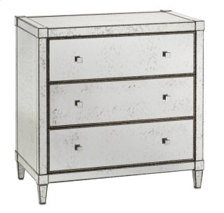 Monarch Three Drawer Chest - 32h x 32w x 18d