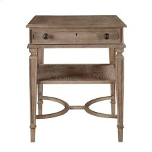 Wethersfield Estate-End Table in Brimfield Oak