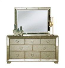Farrah Dresser