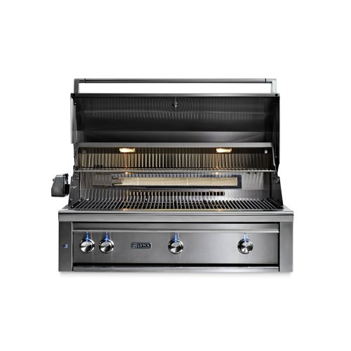 "42"" Lynx Professional Built In Grill with 3 Ceramic Burners and Rotisserie, LP"