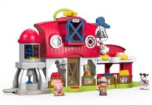 Little People® Caring for Animals Farm