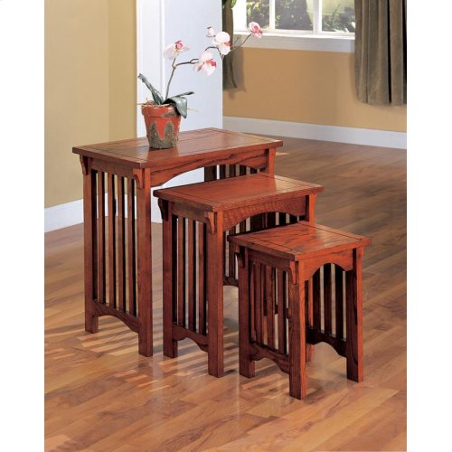 Traditional Warm Brown Three-piece Nesting Table Set