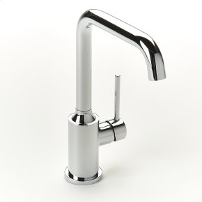 Polished Chrome River (Series 17) Single-lever Lavatory Faucet