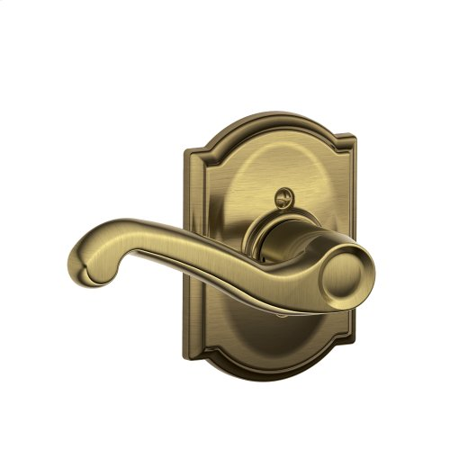 Flair Lever with Camelot Trim Non-Turning Lock - Antique Brass
