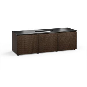 Salamander DesignsA distinctly European influence with its wave textured front.