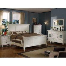 Queen Bedroom Set: Queen Bed, Nightstand, Dresser & Mirror