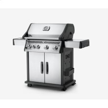 Rogue® 525 with Infrared Side Burner