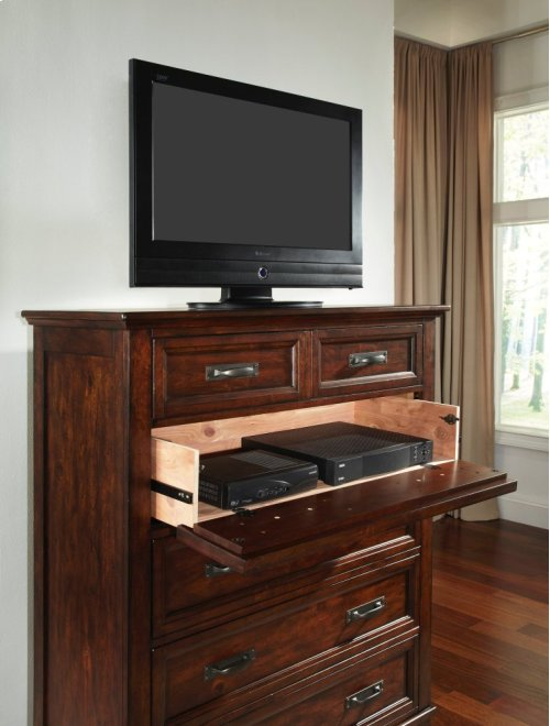 Star Valley Six Drawer Chest