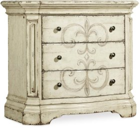 Auberose Three-Drawer Nightstand