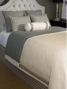 Wilshire Duvet Cover (Super Queen)