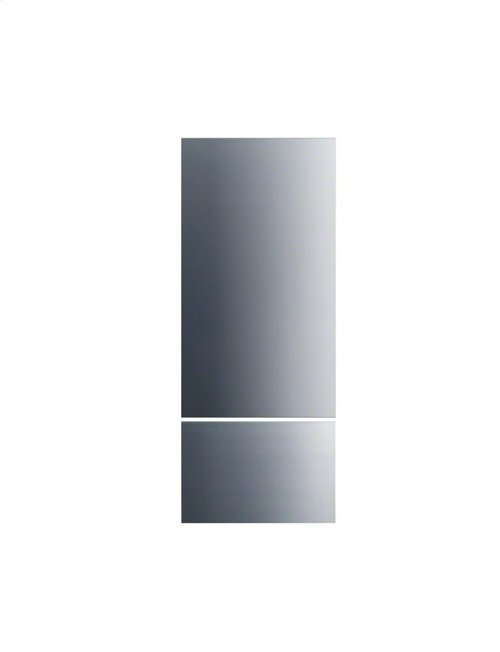 KFP1481ss Stainless steel front for a high-quality external design on MasterCool fridge/freezer combinations.