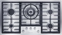KM 2355 LP Gas cooktop in maximum width for the best possible cooking and user convenience.