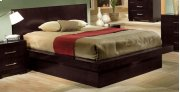 E.KING Bed Product Image