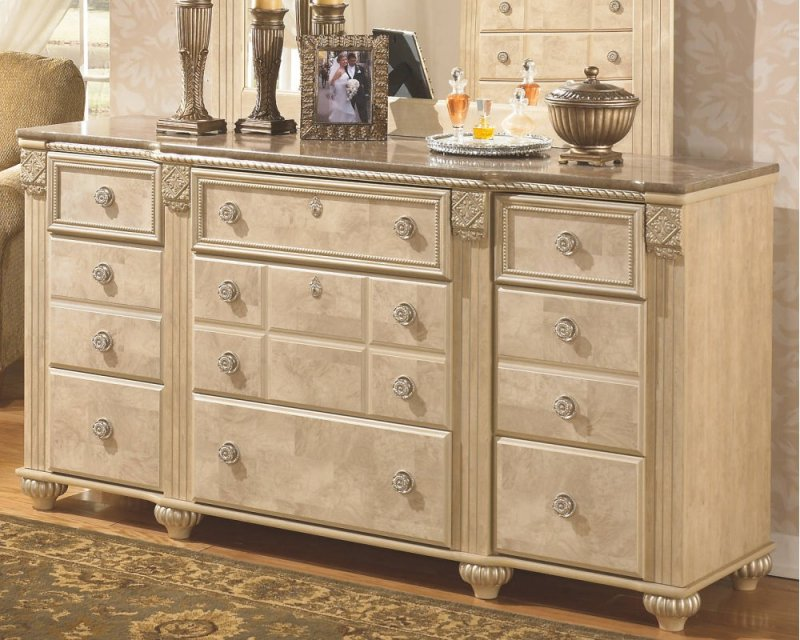 B34631 in by ashley furniture in tacoma wa dresser for Bedroom furniture 98409