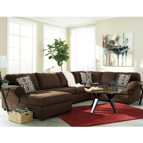 Signature Design by Ashley Jayceon 3-Piece Right Side Facing Sofa Sectional in Java Fabric [FSD-6499SEC-3RAFS-JAV-GG]