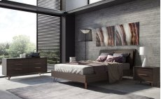Grand Queen Bed Product Image