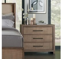 Mirabelle Bachelor Chest Ecru finish