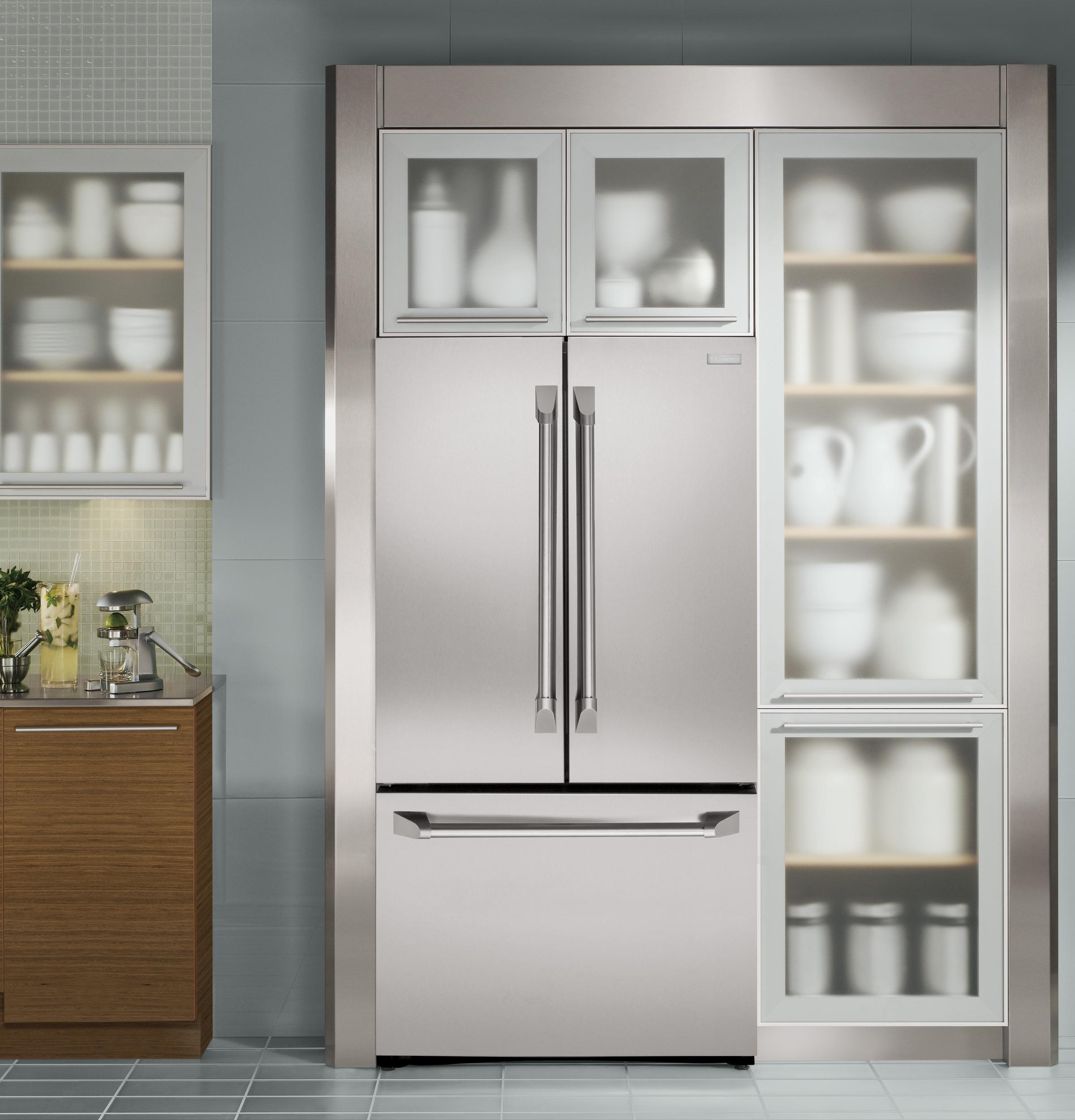 Beau Monogram ENERGY STAR® 23.1 Cu. Ft. Counter Depth French Door Refrigerator