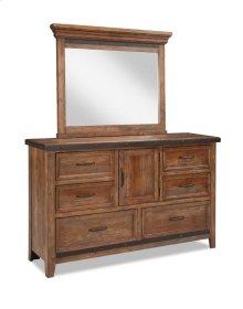 Taos Six Drawer Dresser w/Door