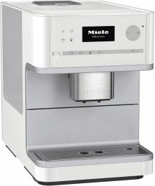 CM 6110 Countertop coffee machine with OneTouch for Two for perfect coffee enjoyment.