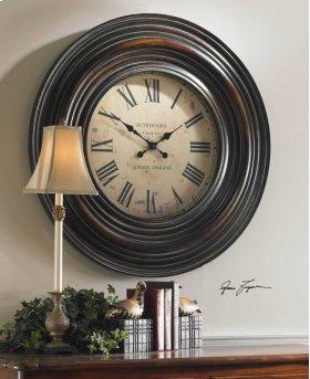 Trudy, Wall Clock