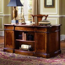 """Belle Grove 60"""" Desk"""