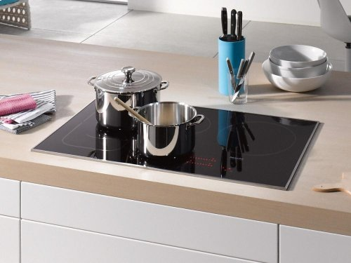 KM 6370 Induction cooktop with touch controls with PowerFlex cooking area for maximum versatility and performance.