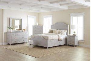 Chesapeake Dove 4 Piece Queen Bedroom Set: Bed, Dresser, Mirror, Nightstand