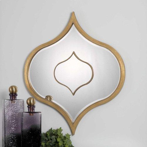Nadia Mirror