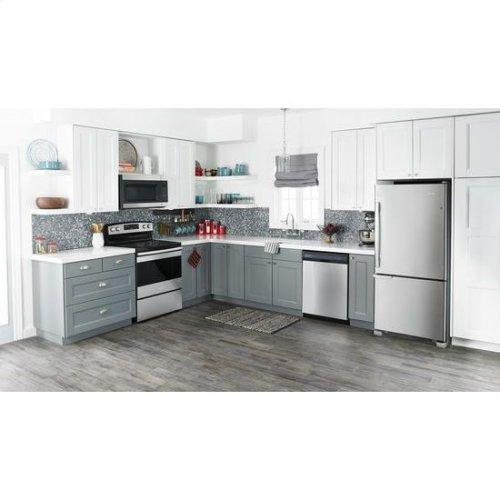 29-inch Wide Bottom-Freezer Refrigerator with Garden Fresh™ Crisper Bins -- 18 cu. ft. Capacity - black