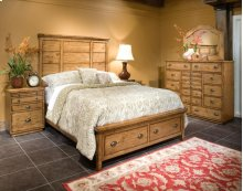 6 PC Bedroom - Queen Bed, Chesser, Mirror, Nightstand