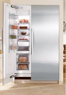 "18"" Freezer (Integrated, left-hinge) **** Floor Model Closeout Price ****"