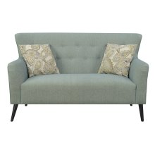 SETTEE WITH 2 PILLOWS