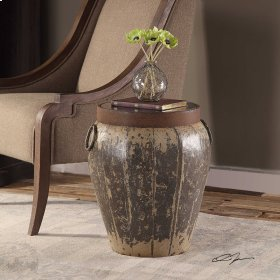 Neith, Accent Table
