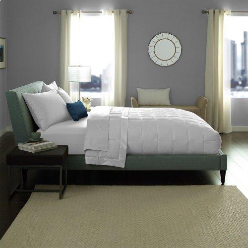 King/California King Hotel White Goose Down Blanket King/CalKing