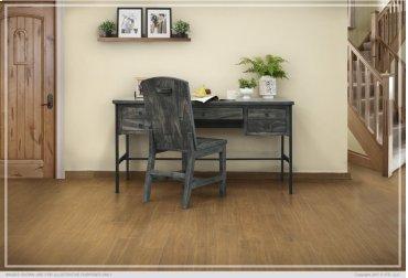 Desk w/ 5 Drawers