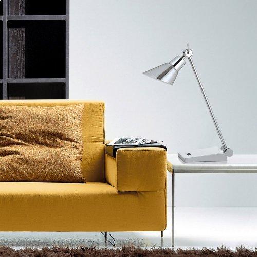 7W, 450 Lumen, 3000K LED Adjust able Metal Desk Lamp With Rocker Switch