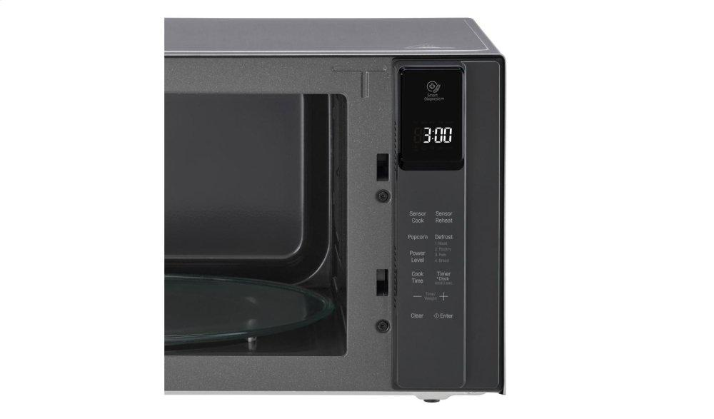 1.5 cu. ft. NeoChef™ Countertop Microwave with Smart Inverter and EasyClean® Photo #5