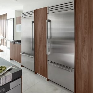 """DacorDiscovery 36"""" Integrated Bottom Freezer Refrigerator with Bottom Compressor, in Stainless Steel with Epicure Style Handle - Right Hinge"""