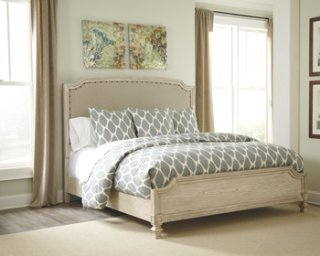 Demarlos - Parchment White 3 Piece Bed Set (Queen)