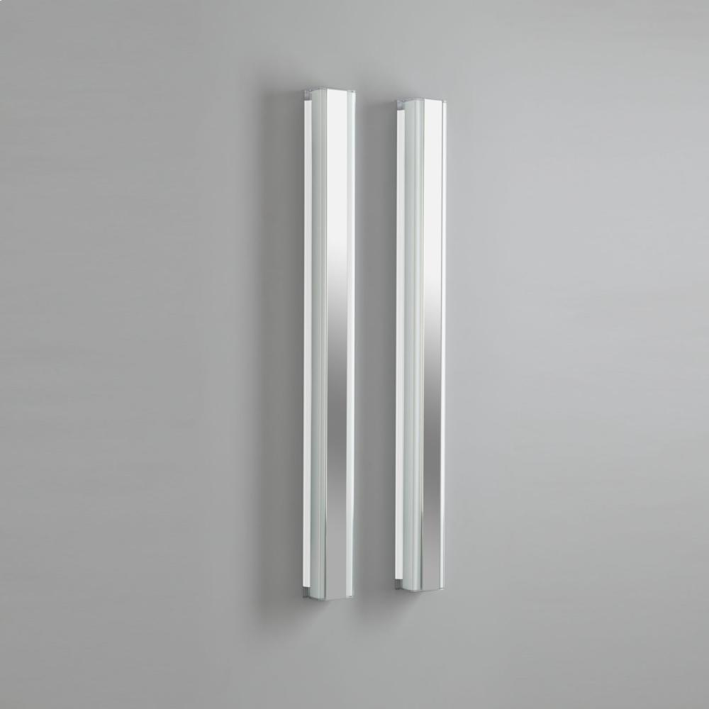 "3-1/2"" X 40"" Vertical Fluorescent Light In Black"